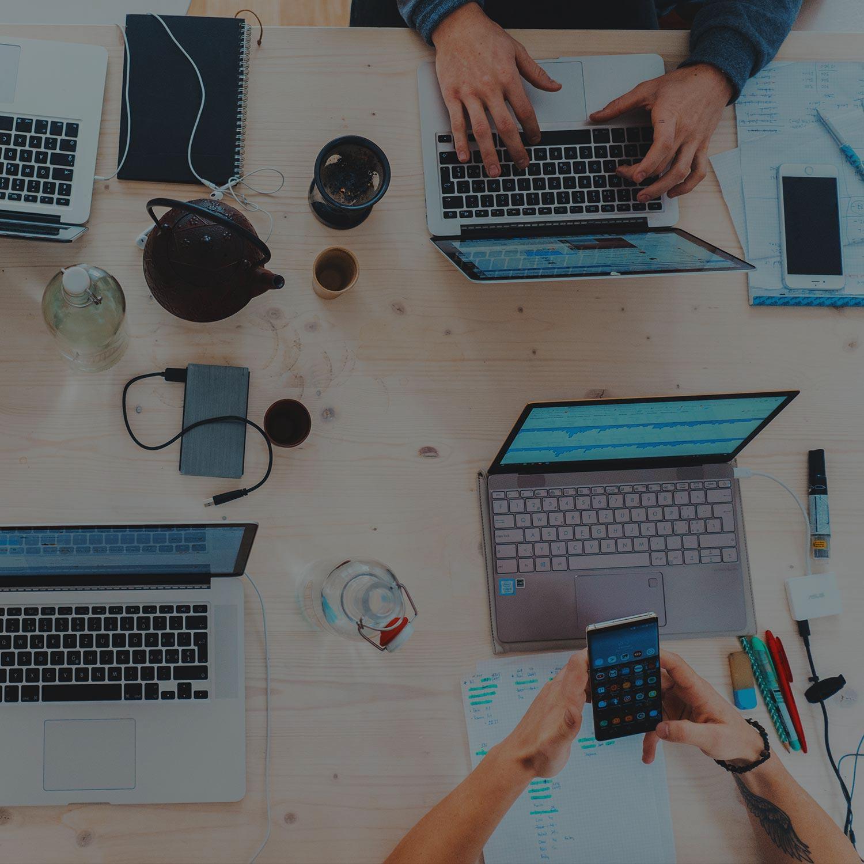Startups aceleram talentos